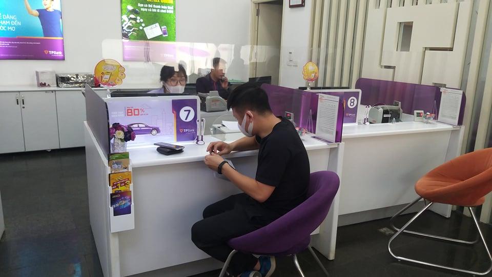 TS Lê Xuân Nghĩa nêu lý do lãi suất tiết kiệm sẽ neo cao tại các ngân hàng nhỏ - Ảnh 1.