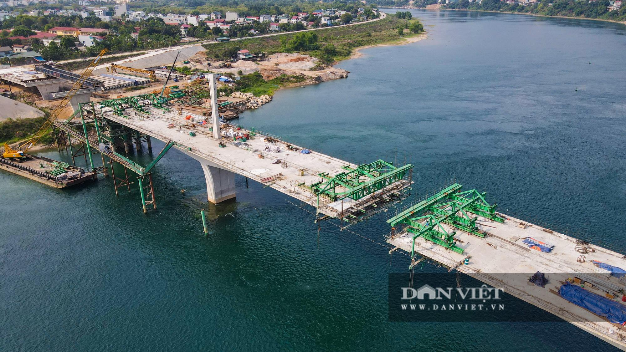 Hòa Bình: Dự án cầu 600 tỷ 2 nối 2 bờ sông Đà sắp về đích, dự kiến thông xe đầu tháng 10 - Ảnh 3.