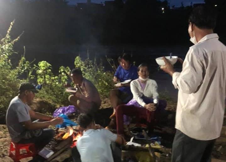 Lâm Đồng: Trắng đêm tìm kiếm nạn nhân bị nước cuốn mất tích trên sông Krông Nô - Ảnh 3.