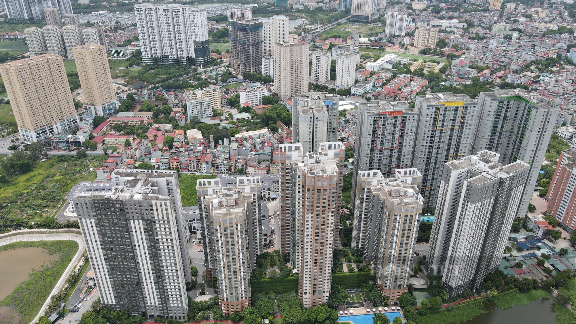 Căn hộ chung cư cao cấp ở Hà Nội 'đua nhau' rao bán cắt lỗ - Ảnh 4.