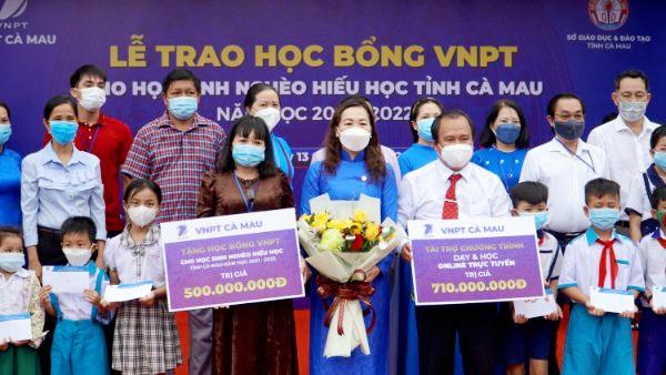 VNPT Cà Mau tặng học bổng hơn 1,2 tỷ đồng  - Ảnh 1.