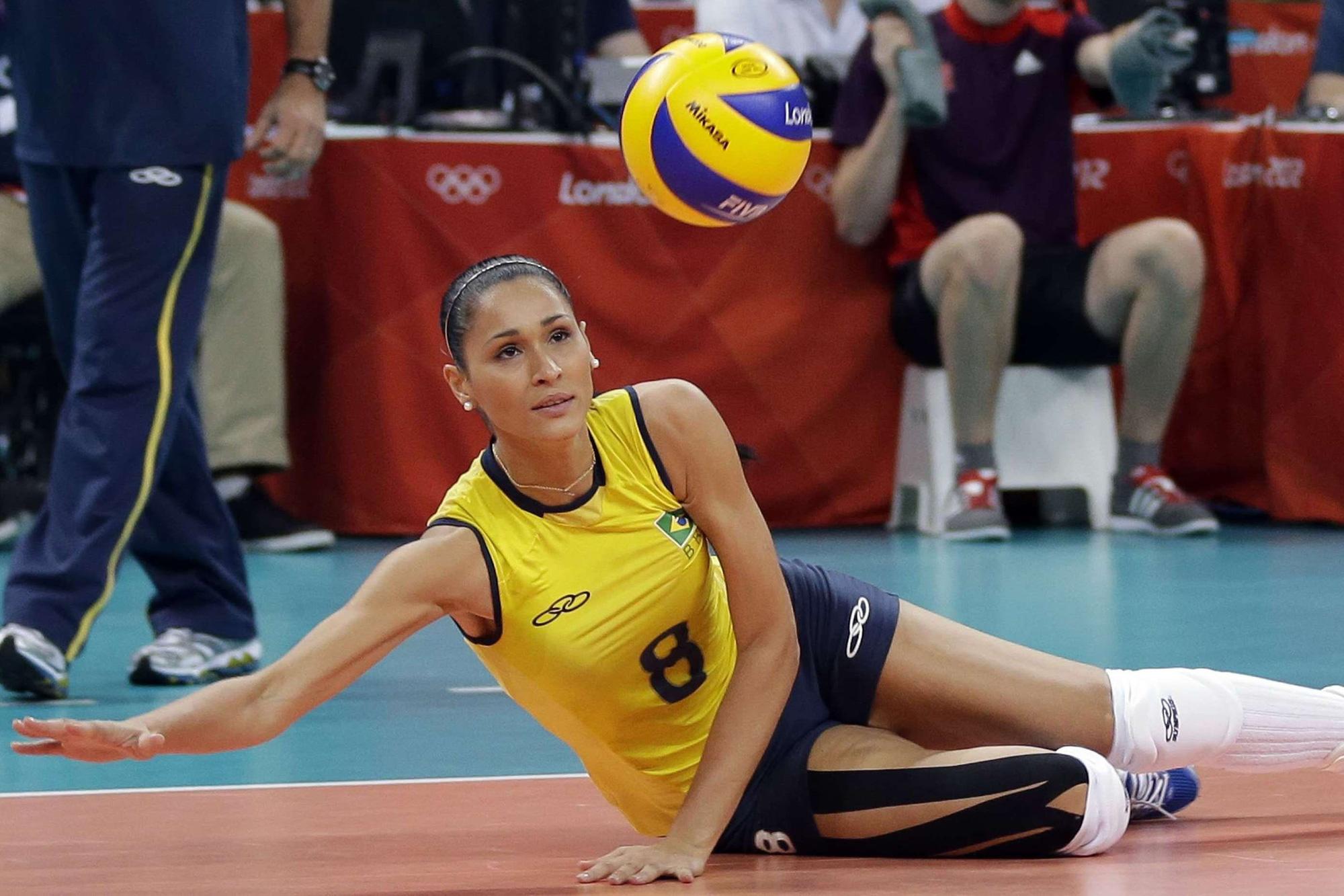 7 nữ VĐV bóng chuyền tài năng và xinh đẹp bậc nhất thế giới - Ảnh 11.