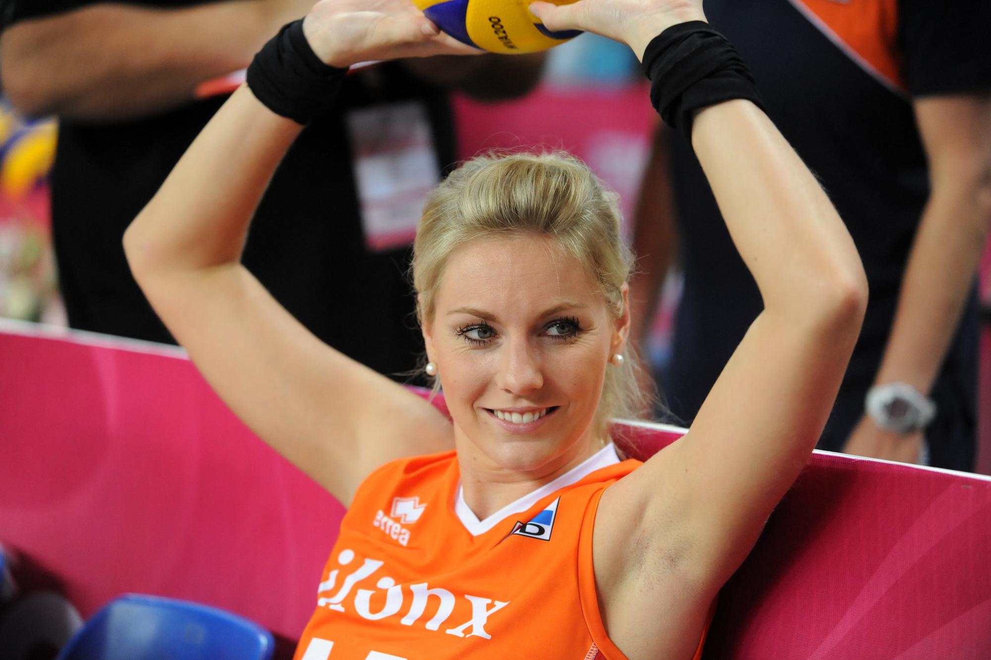 7 nữ VĐV bóng chuyền tài năng và xinh đẹp bậc nhất thế giới - Ảnh 7.