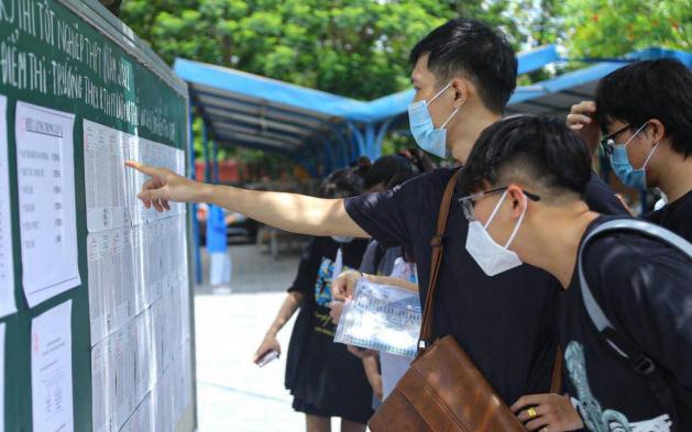 """Điểm chuẩn Đại học Kinh tế Quốc dân 2021 ra sao,  ngành nào """"chiếm"""" vị trí số 1?"""
