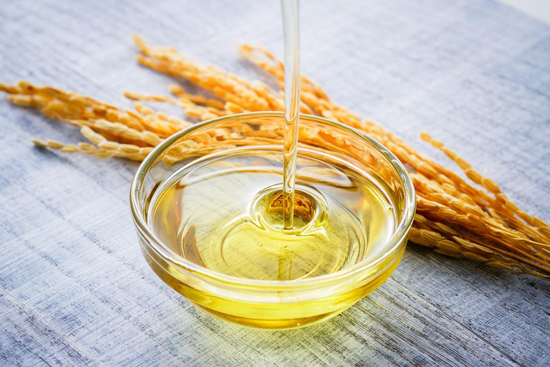Doanh nghiệp nước ngoài lùng mua dầu gạo của Việt Nam - Ảnh 1.