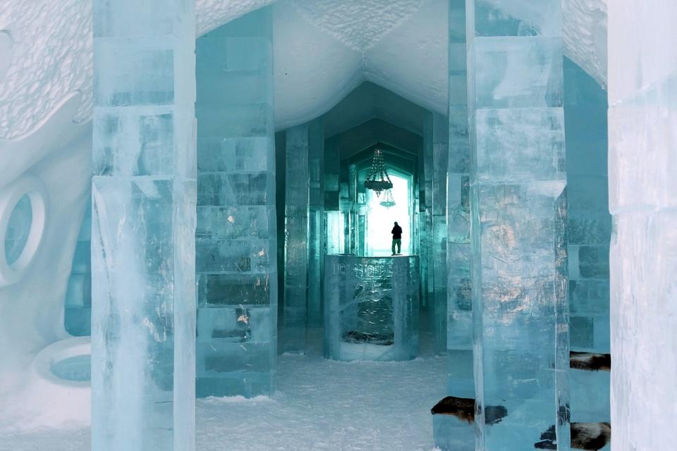 Khách sạn băng vĩnh cửu, mới nhìn đã lạnh sống lưng - Ảnh 2.