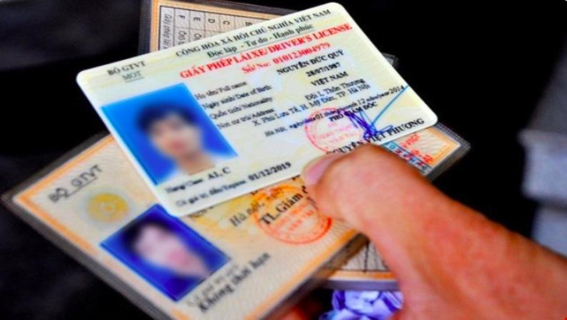 Chuyển việc cấp giấy phép lái xe sang Bộ Công an, hơn 2.000 cán bộ có thể mất việc - Ảnh 1.