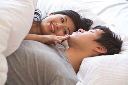 Công ty đóng cửa, doanh nhân Hà Nội bỏ bê chuyện chăn gối khiến vợ ép đi khám - Ảnh 2.