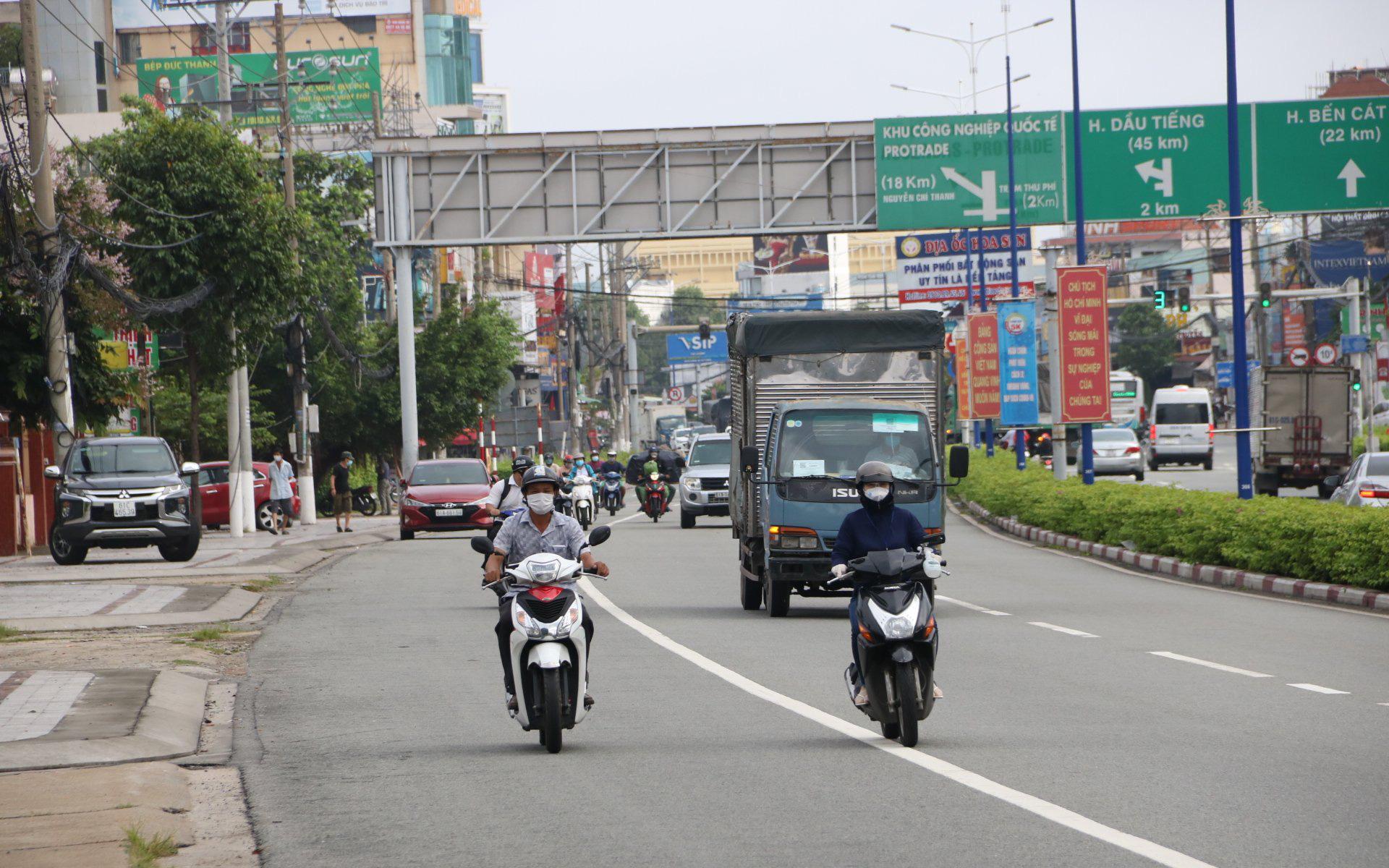 """Bình Dương: TP.Thuận An nới lỏng giãn cách """"vùng xanh"""", người dân được ra đường từ 5h đến 20h"""