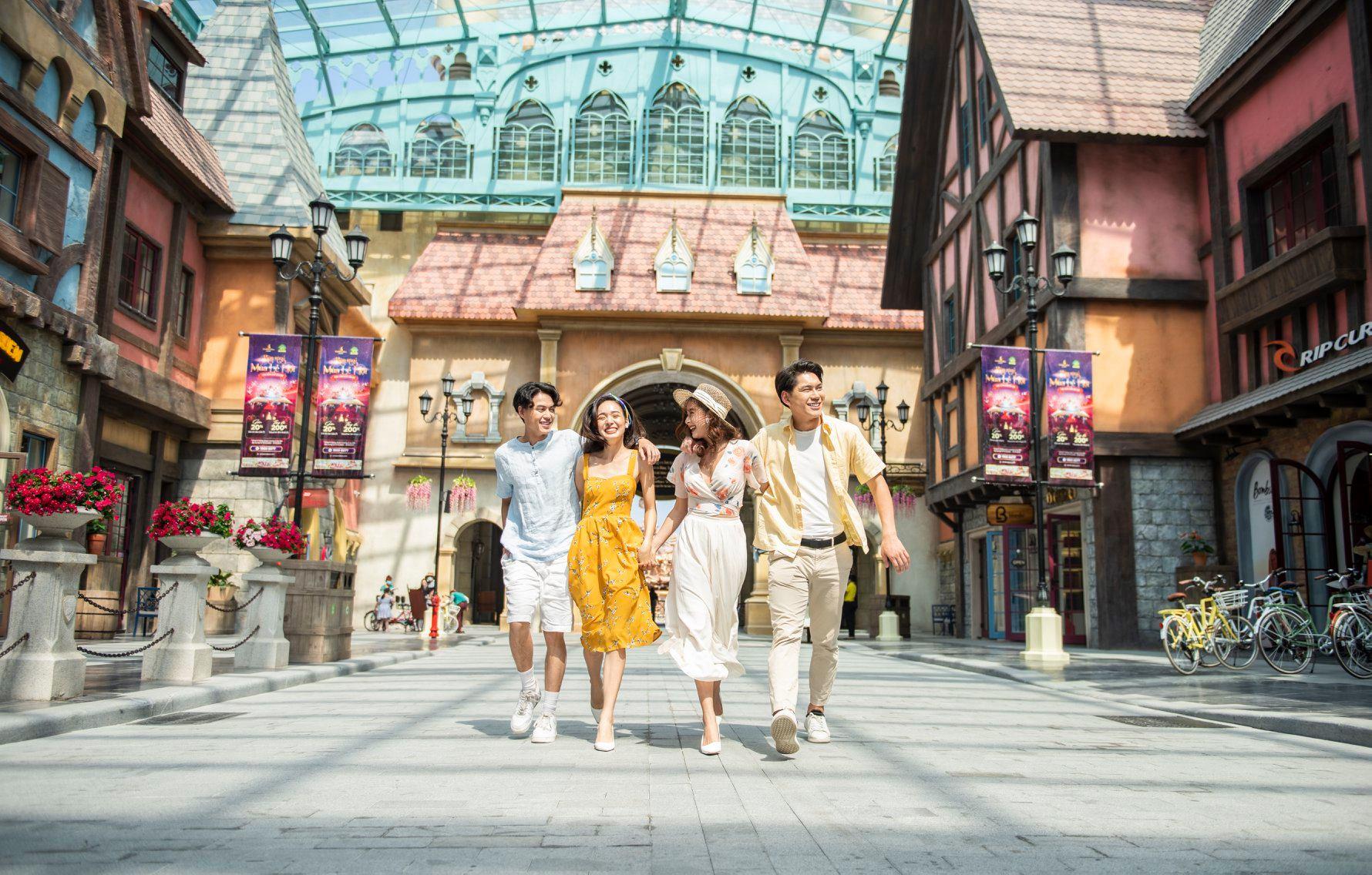 """Mở cửa du lịch: Kỳ vọng vào """"thẻ xanh"""" từ thí điểm đón khách quốc tế đến Phú Quốc - Ảnh 1."""