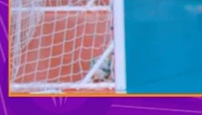 Không chỉ VS, ĐT futsal Việt Nam mất bàn thắng bởi... 1 cái giằng sắt - Ảnh 2.
