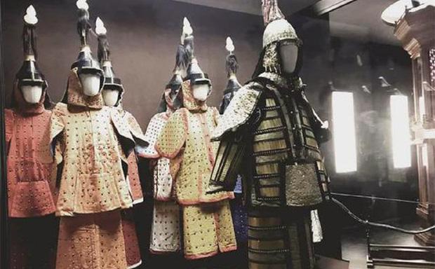 """Việc mang vũ khí bên mình thời xưa là chuyện nhỏ, nhưng """"tàng trữ"""" áo giáp là tội tày trời - Vì sao? - Ảnh 1."""