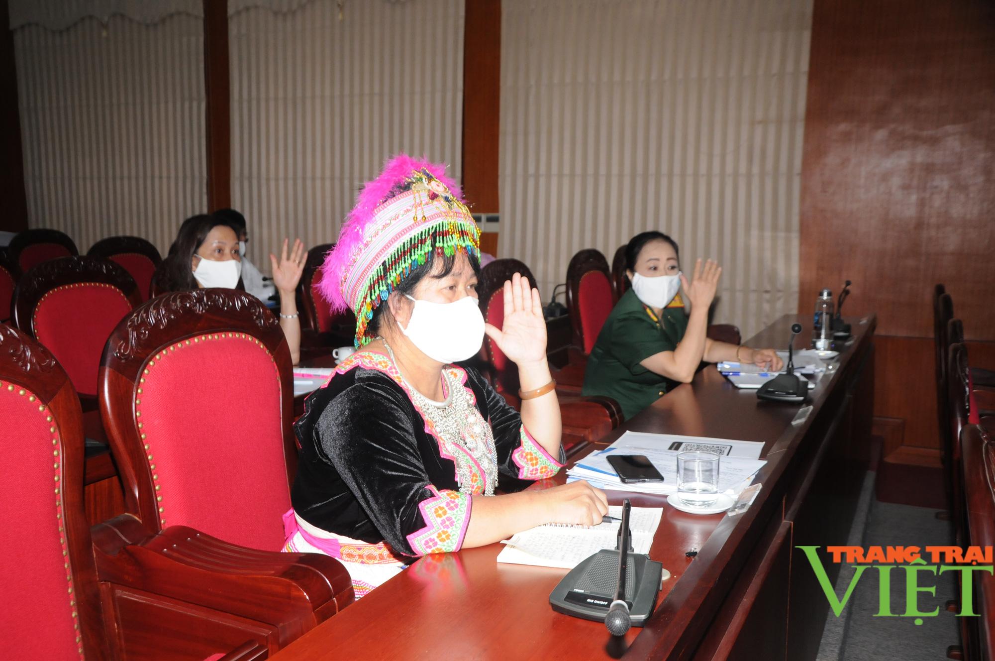 Hội Liên hiệp Phụ nữ tỉnh Sơn La: Giúp hơn 2.000 hộ nghèo thoát nghèo - Ảnh 7.
