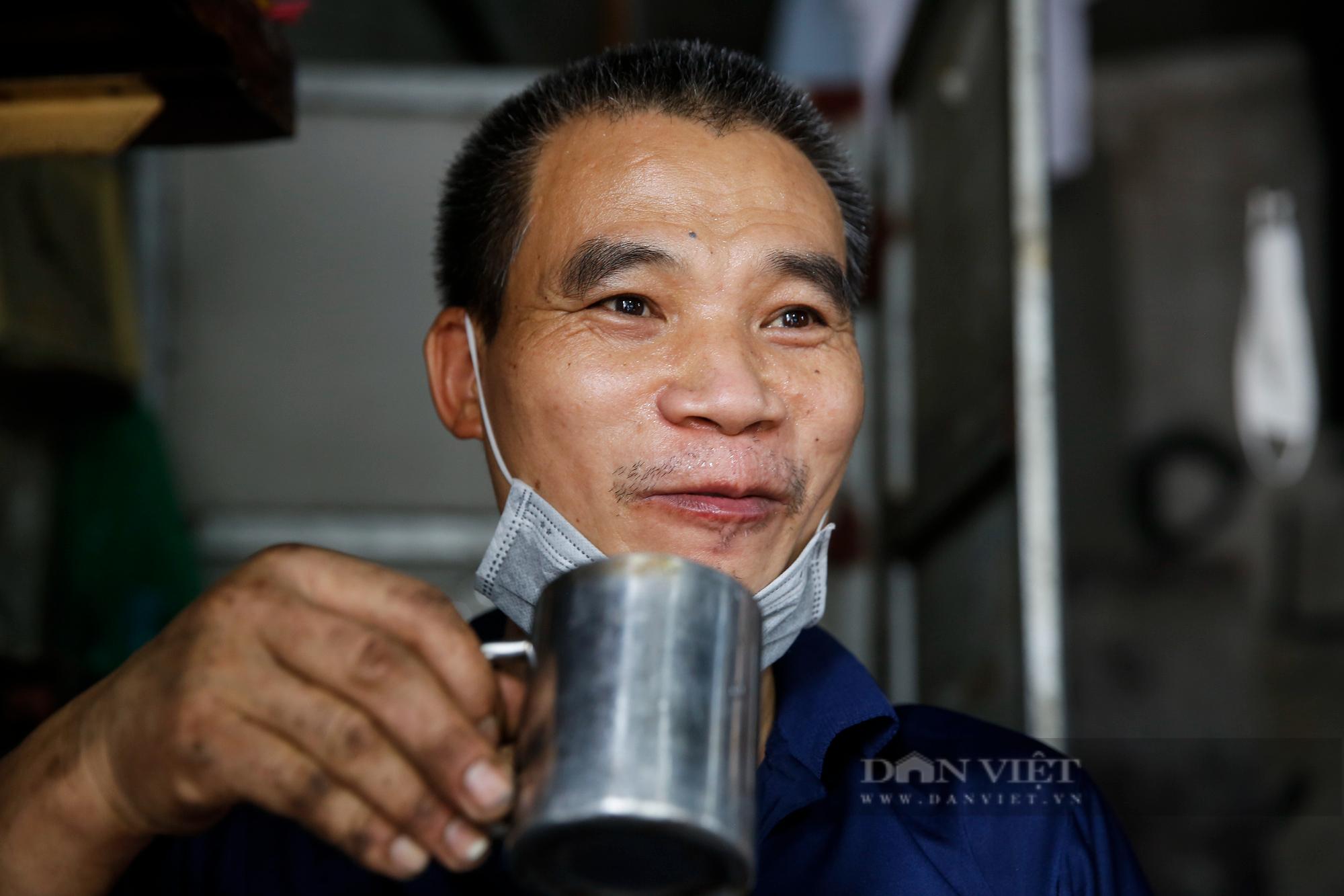 Hà Nội: Mang xe máy đi sửa, khách hàng phải chờ từ sáng đến chiều tối mới có thể nhận được xe - Ảnh 9.