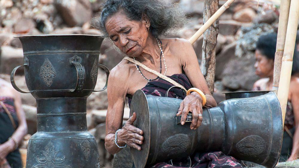 Bộ lạc Abui sở hữu Trống đồng quý giá - Moko có liên quan đến nền văn hóa Đông Sơn của Việt Nam? - Ảnh 7.