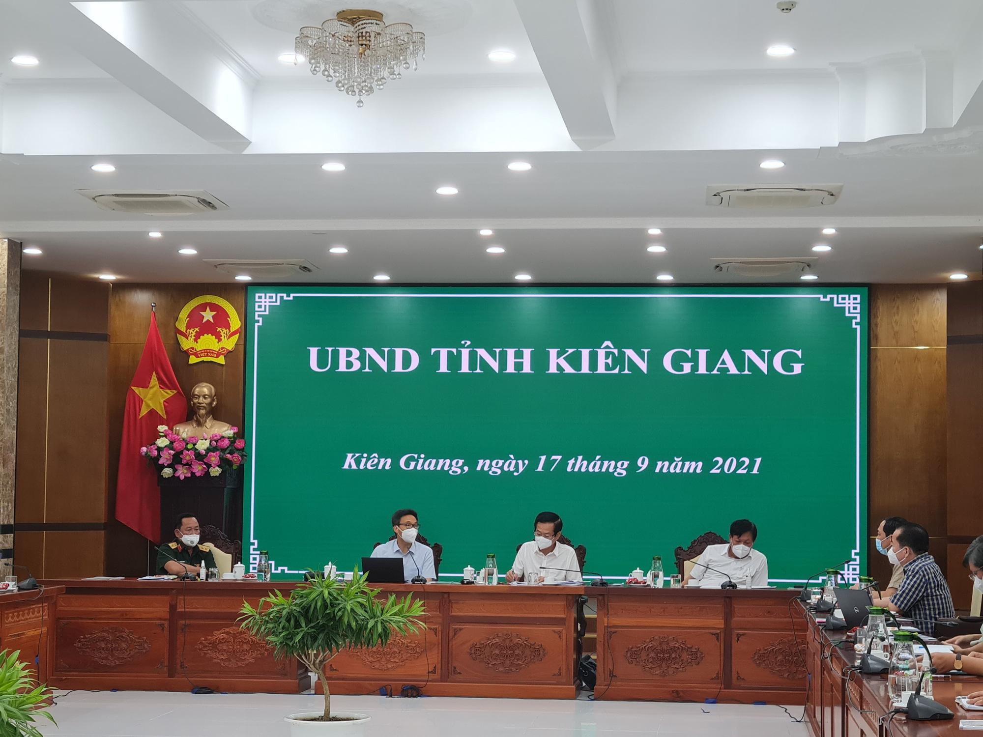 Phó Thủ tướng Vũ Đức Đam: Kiên Giang cần làm hết vùng đỏ nhanh nhất có thể - Ảnh 3.