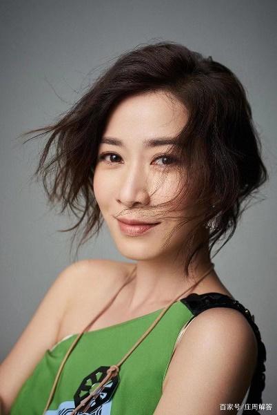 Cuộc đời huyền ảo của 'nhất tỷ TVB', từ một cô gái thường dân cho tới 'người đàn bà độc ác nhất' - Ảnh 4.