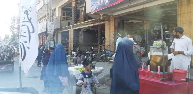 Một ngày với Taliban 2.0 (kỳ 2): Phụ nữ đâu? - Ảnh 1.