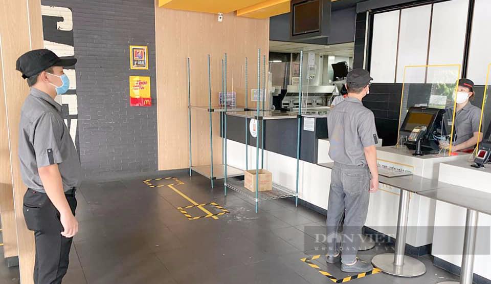 McDonald's, KFC, Highlands, Phúc Long bán mang đi tại TP.HCM - Ảnh 3.
