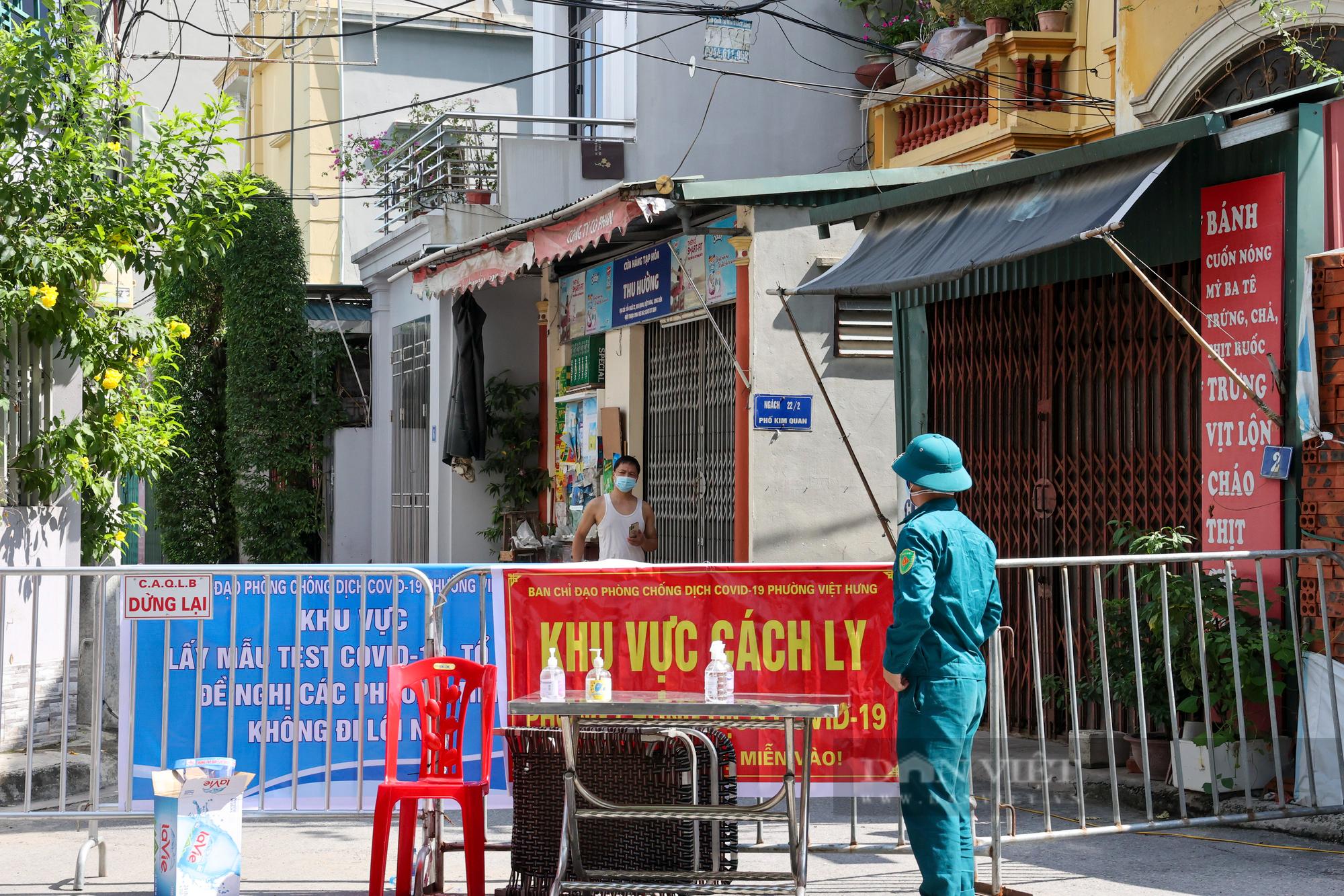 """Hà Nội: Phong tỏa, truy vết f1 thuộc chùm 6 ca dương tính SARS-CoV-2 trong """"vùng xanh"""" - Ảnh 2."""