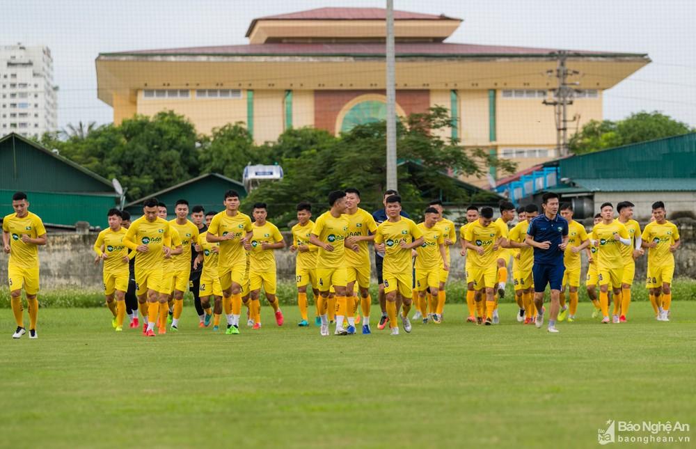 Rời Hải Phòng, cựu trung vệ U23 Việt Nam trên đường trở lại SLNA - Ảnh 4.