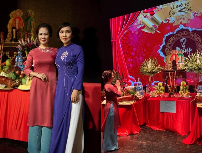 ipiccy image 4 8064 1631960661618 16319606618371985736514 Nghệ sĩ cầu cho Phi Nhung, mong sân khấu sớm sáng đèn trở lại nhân ngày giỗ Tổ nghề