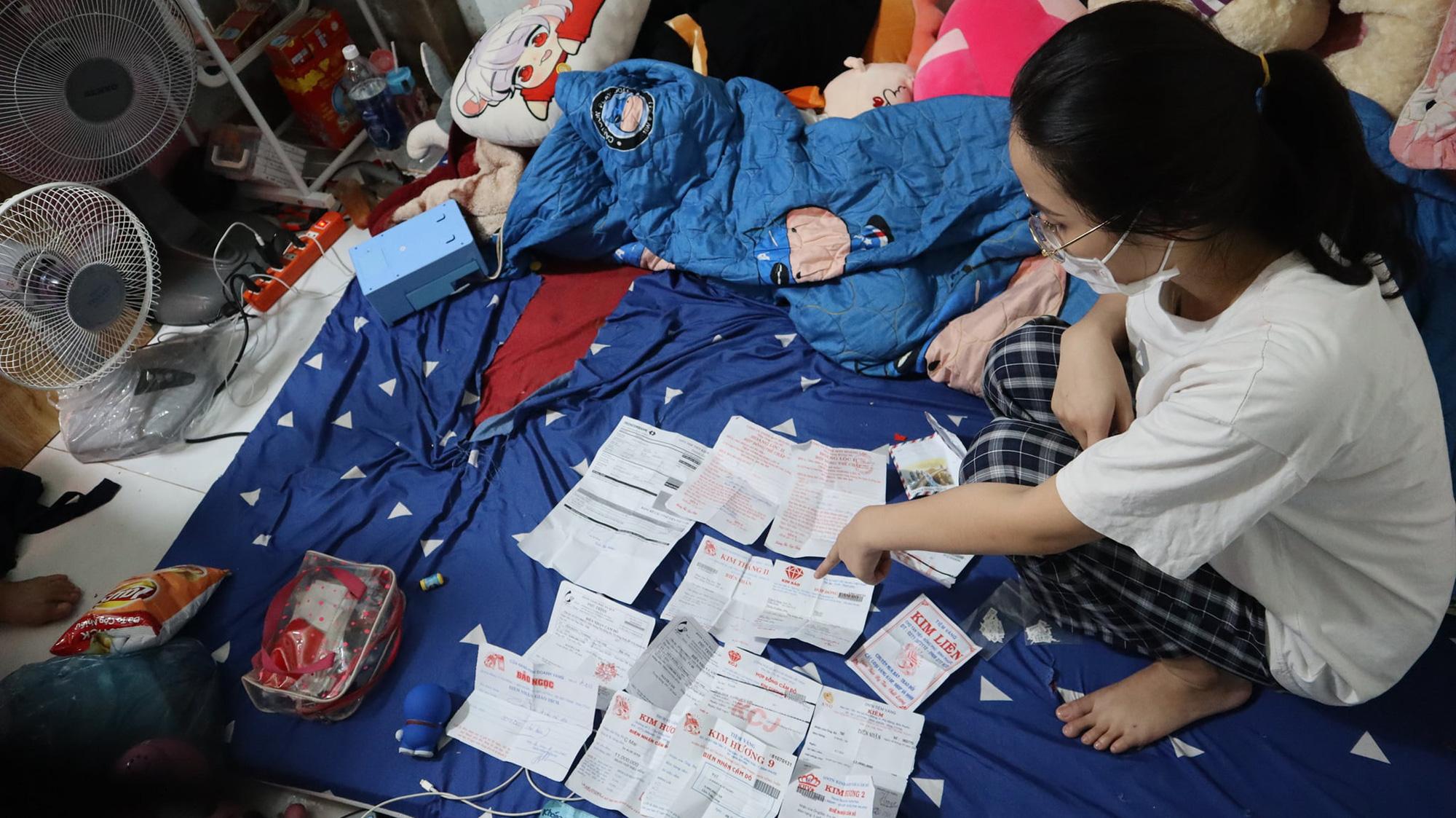 Bình Phước: Khởi tố hình sự vụ nữ nhân viên tiệm vàng lấy cắp nữ trang gần 10 tỷ đồng - Ảnh 2.