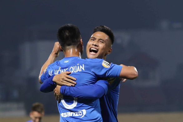 Cầu thủ bị Than Quảng Ninh nợ cực đậm cập bến SHB.Đà Nẵng - Ảnh 3.