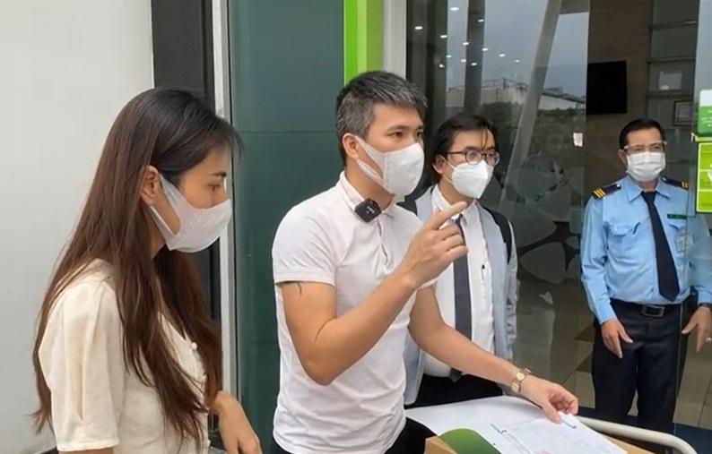 Fanpage ngân hàng cũng nóng vụ livestream công bố sao kê từ thiện của Thủy Tiên - Ảnh 1.