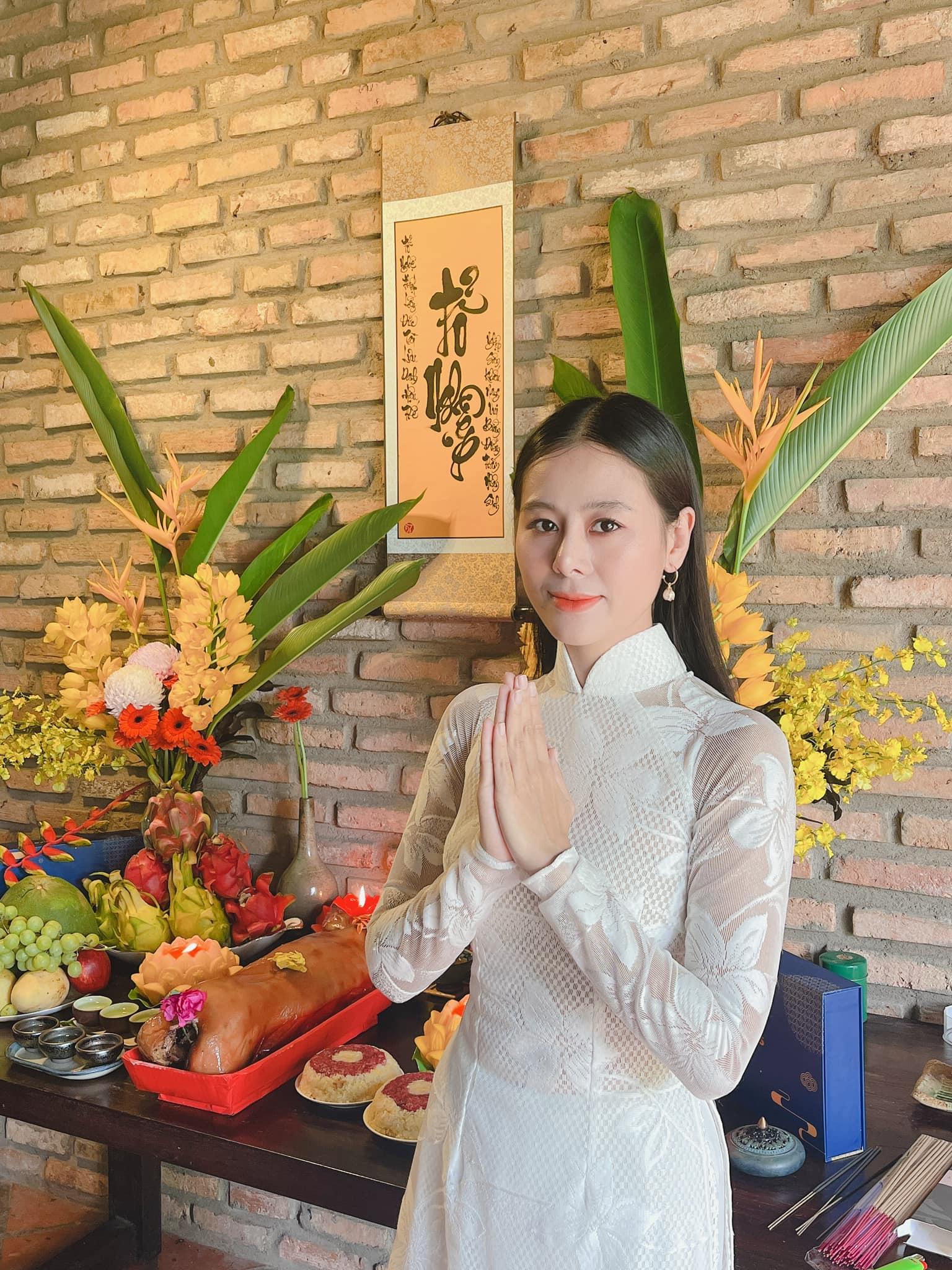 thu1 16319626853791253645165 Nghệ sĩ cầu cho Phi Nhung, mong sân khấu sớm sáng đèn trở lại nhân ngày giỗ Tổ nghề
