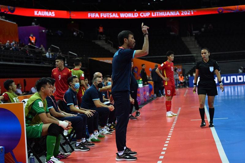 """Hình ảnh những """"người hùng"""" tuyển futsal Việt Nam cầm hòa đội bóng hạng 16 thế giới - Ảnh 9."""