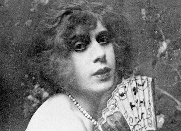 Cuộc đời người chuyển giới đầu tiên trên thế giới: Vợ chồng thành... chị em gái - Ảnh 5.