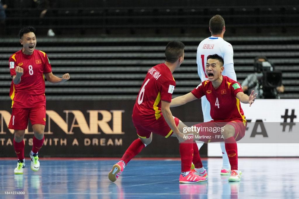 """Buộc CH Czech """"tắt tiếng"""", ĐT  futsal Việt Nam lọt vào vòng 1/8 World Cup - Ảnh 4."""