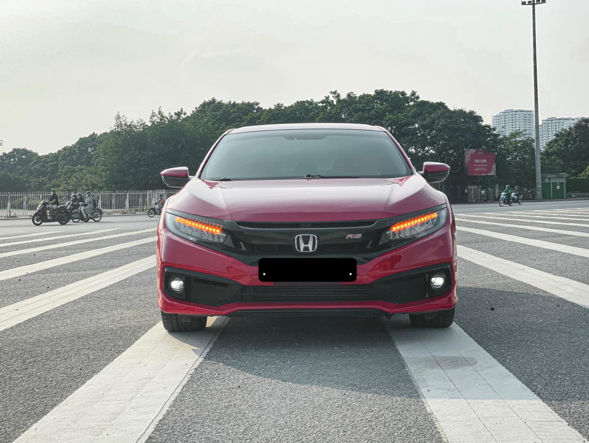 Sau 2 năm lăn bánh, Honda Civic RS có giá bao nhiêu? - Ảnh 1.