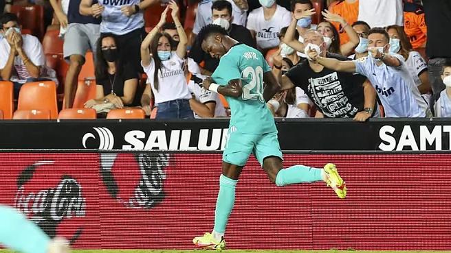 """Real Madrid ngược dòng ngoạn mục, HLV Ancelotti nhắc ngay đến """"tính chiến đấu"""" - Ảnh 2."""