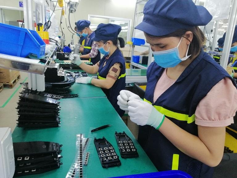 Kinh tế nóng nhất: Mò vào fanpage của Vietcombank và đây là điều bất ngờ - Ảnh 3.