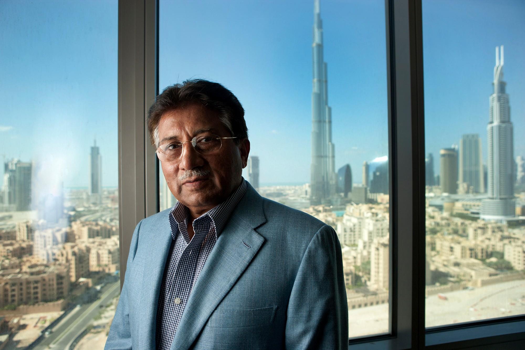 Các nhà lãnh đạo thế giới bị phế truất sống xa hoa đến không tưởng ở Dubai - Ảnh 2.