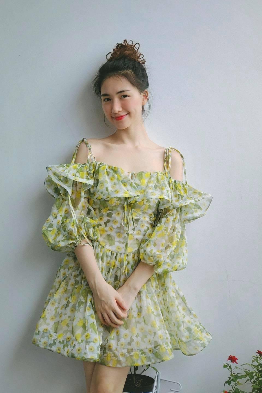 Tóc Tiên ở nhà diện đồ táo bạo, Hòa Minzy dẫn đầu top sao mặc đẹp tuần qua - Ảnh 5.