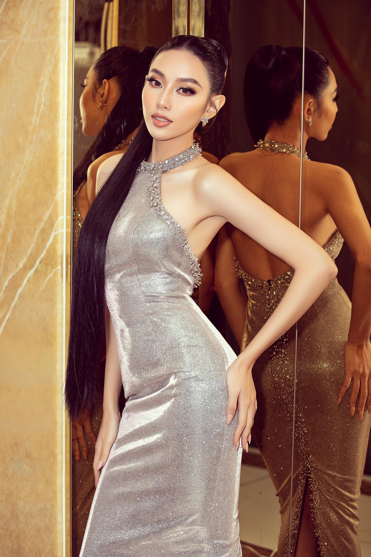 Tóc Tiên ở nhà diện đồ táo bạo, Hòa Minzy dẫn đầu top sao mặc đẹp tuần qua - Ảnh 2.