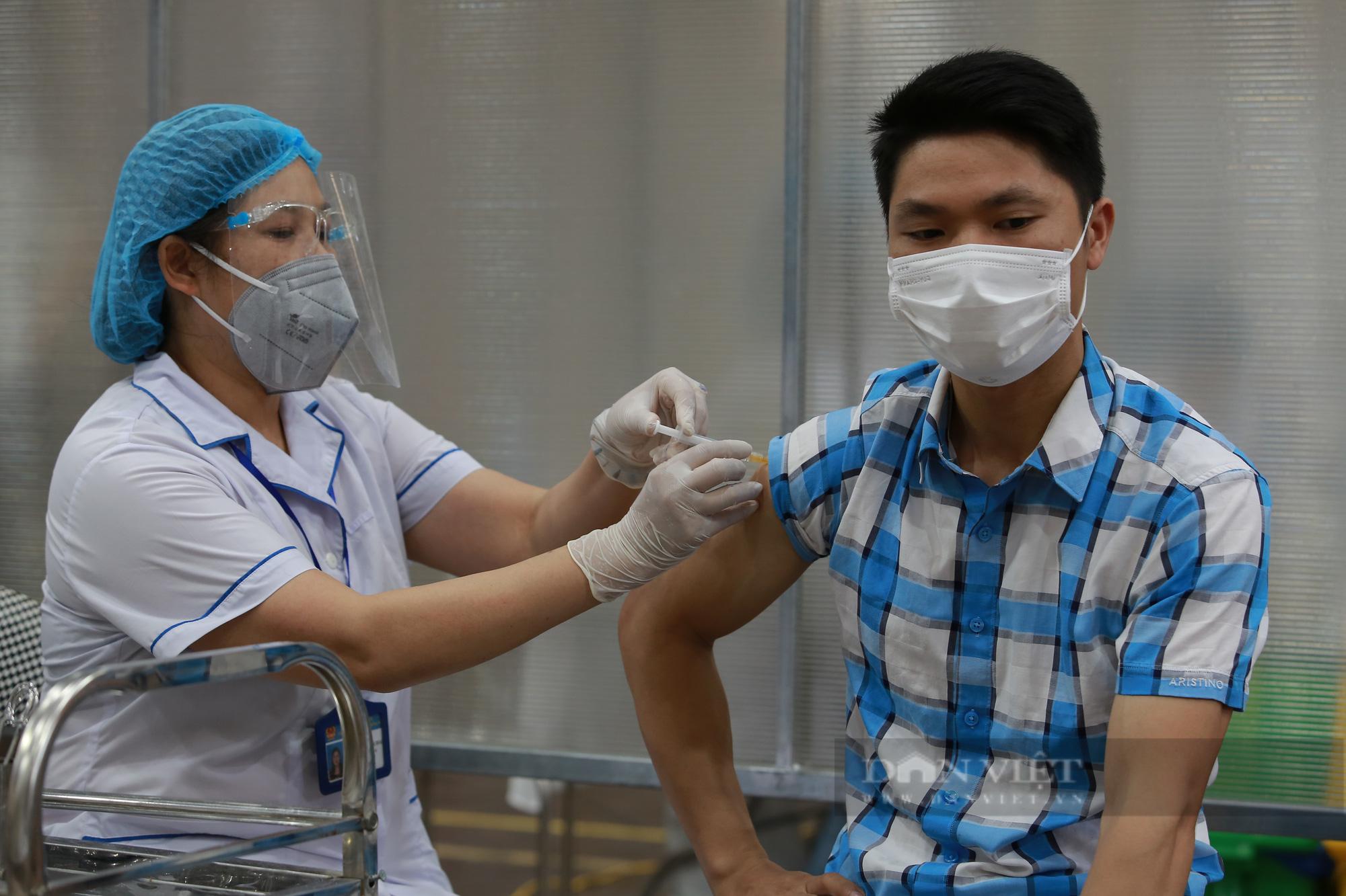 Người ở Hà Nội đã tiêm 2 mũi vaccine phòng Covid-19 có được về quê không?