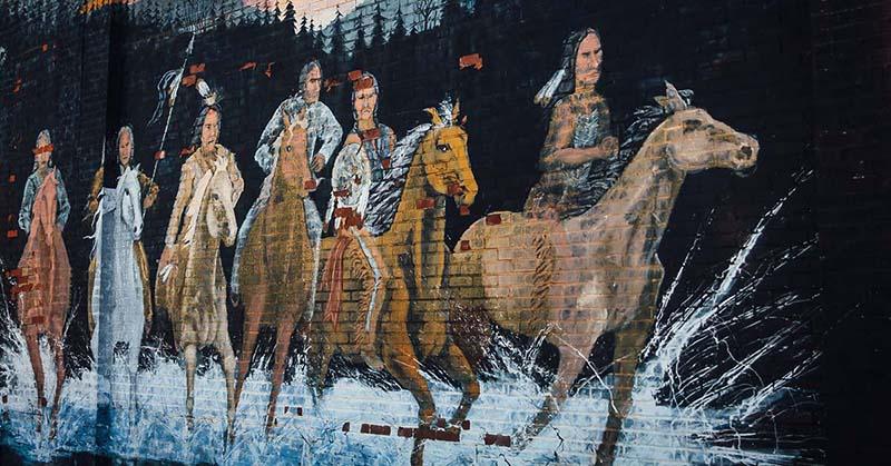 """Mỹ: Thổ dân Osage Nation tạo """"bùng nổ"""" du lịch bởi sự bí ẩn và độc lạ - Ảnh 1."""