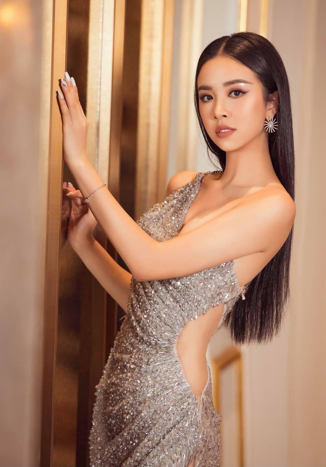 Tóc Tiên ở nhà diện đồ táo bạo, Hòa Minzy dẫn đầu top sao mặc đẹp tuần qua - Ảnh 10.