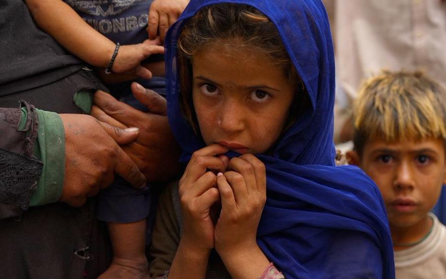 Người dân Afghanistan vất vả đấu tranh với nạn đói dưới thời Taliban