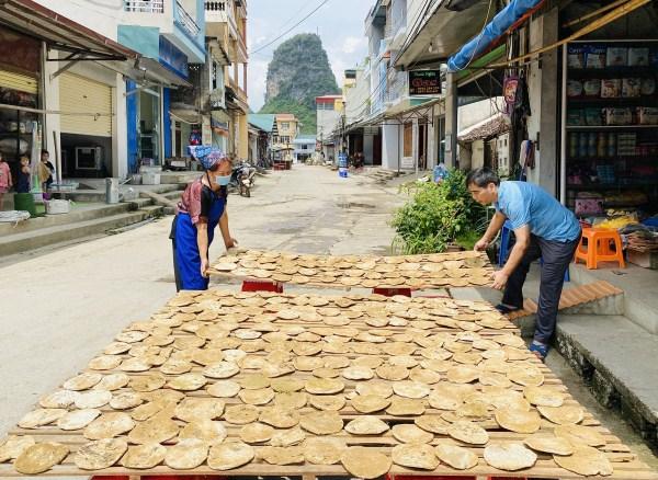Cao Bằng: Đặc sản có 1 không 2 ở Việt Nam, gọi là tương nhưng lại không làm bằng đậu tương - Ảnh 1.