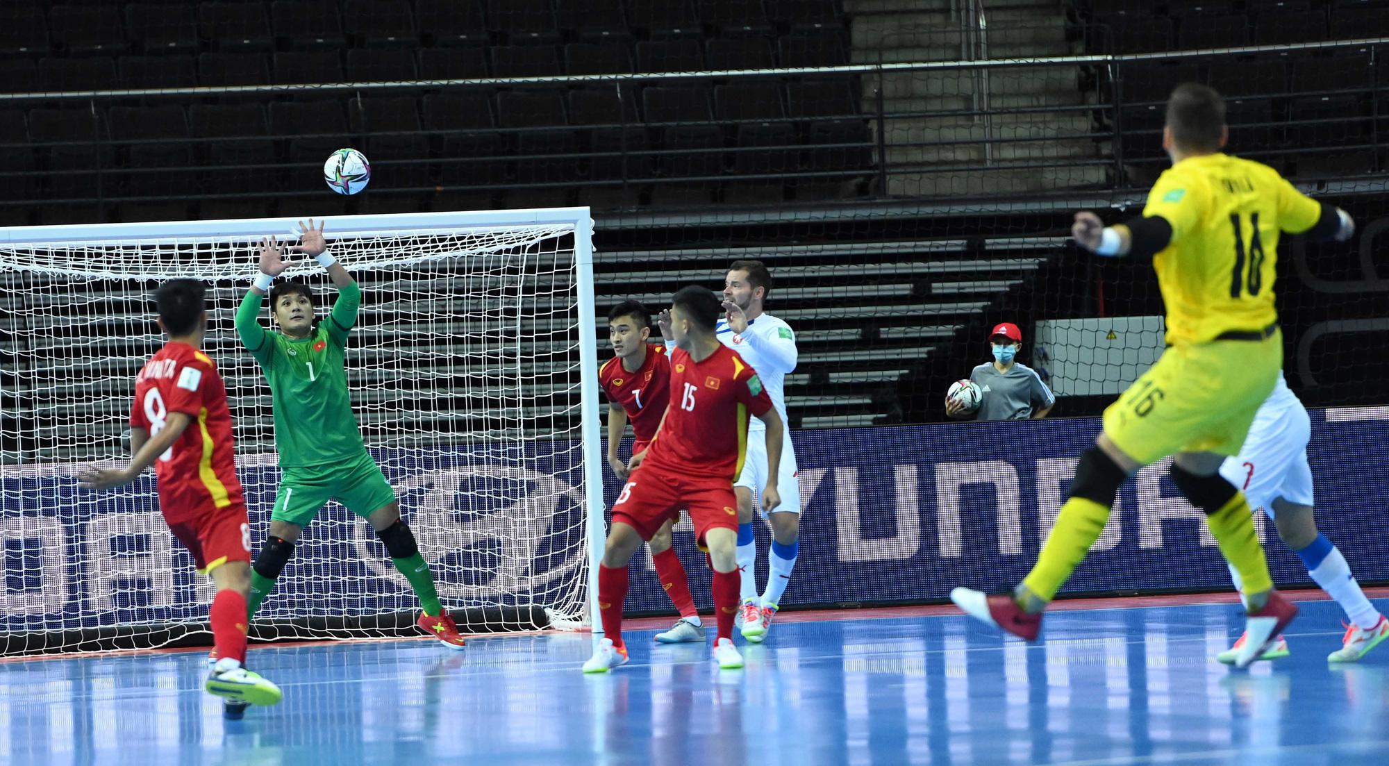 Futsal Việt Nam còn thiếu điều gì để vươn xa hơn ở World Cup? - Ảnh 1.