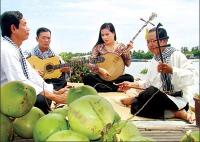 Xóm làm đàn guitar phát đạt nhất ở khu Tôn Đản khét tiếng một thời - Ảnh 3.