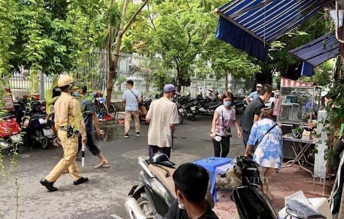 Hải Phòng: Một nam thanh niên bị bắn trọng thương trước quán cơm từ thiện - Ảnh 1.