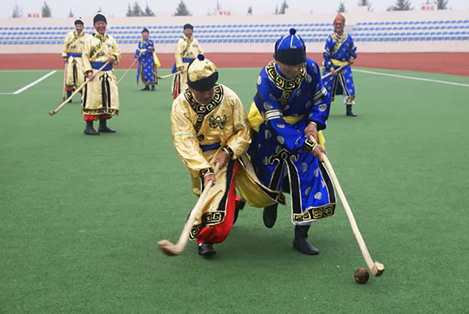 Lạ lùng bộ tộc Daur bói gan gà để chọn ngày cưới - Ảnh 7.