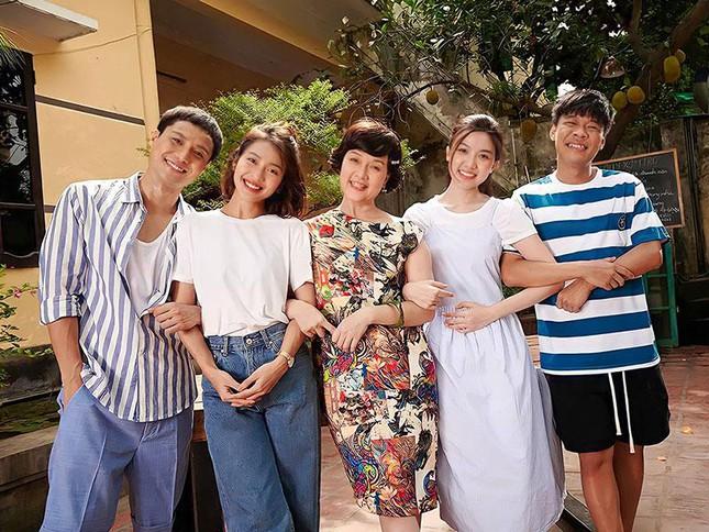 """Vân Dung hụt vai cô giúp việc phim """"11 tháng 5 ngày"""", xuất sắc hóa thân thành bà chủ xóm trọ - Ảnh 6."""