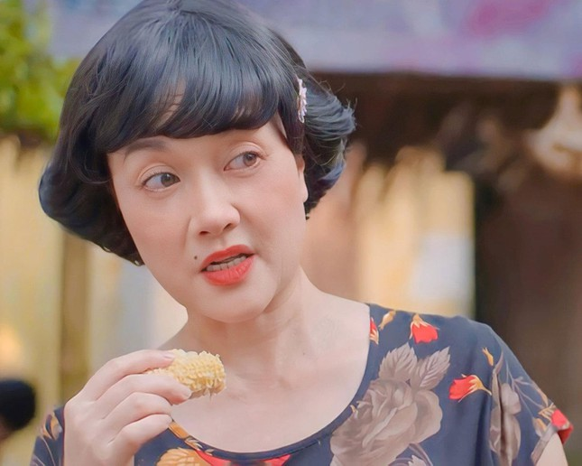 """Vân Dung hụt vai cô giúp việc phim """"11 tháng 5 ngày"""", xuất sắc hóa thân thành bà chủ xóm trọ - Ảnh 2."""